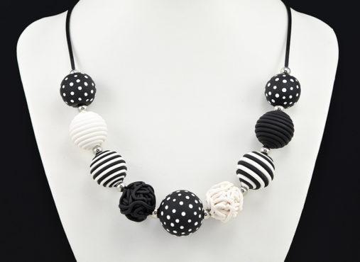 Črno bela verižica, črno bele pike