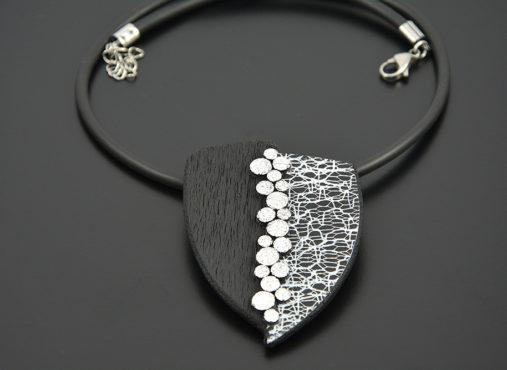 modna-unikatna-crno-bela-srebrna-verizica-unikanakit.si