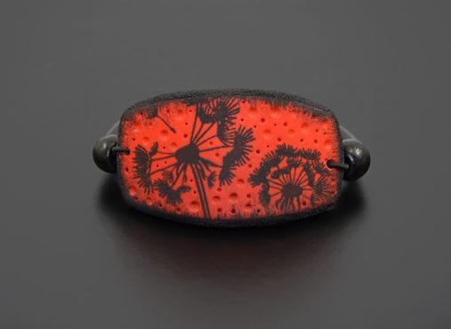 crno-rdeca-zapestnica-regratova-lucka-unika-nakit