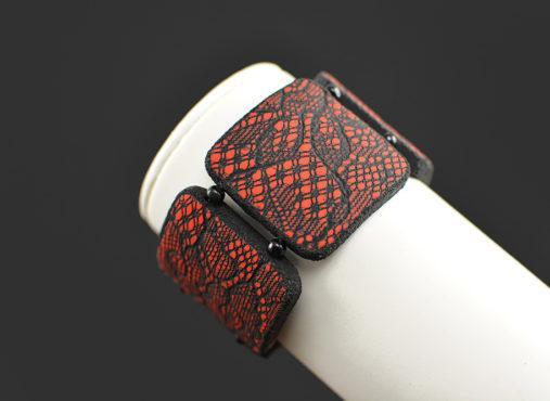 modna unikatna zapestnica čipka rdeča Unika Nakit