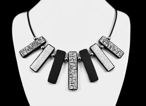 elegantna povezana verižica črno bela siva - Unika Nakit